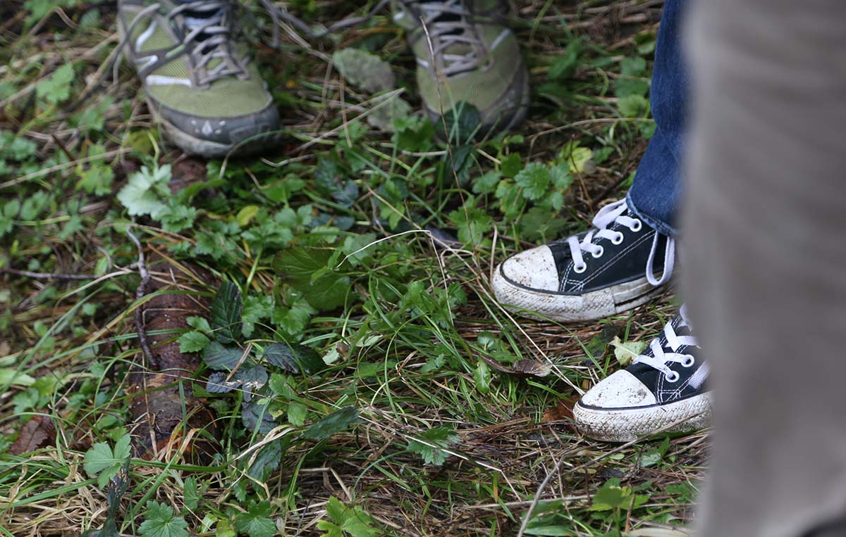 shoes_in_grass